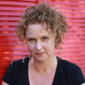 Emma Viskic author photo 4 - Version 2
